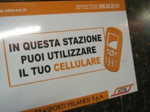 cellulare-in-metro
