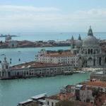 Turismo a Venezia: meno ponti e crisi vulcanica