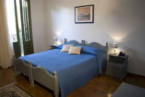bed-breakfast-alhambra-camera