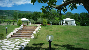 Fuga d'amore tra Castel Campagnano e I giardini di Eidos