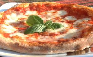 Pizza-Fest-Napoli-pizza-margherita