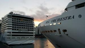 MSC Fantasia e MSC Orchestra al porto di Barcellona