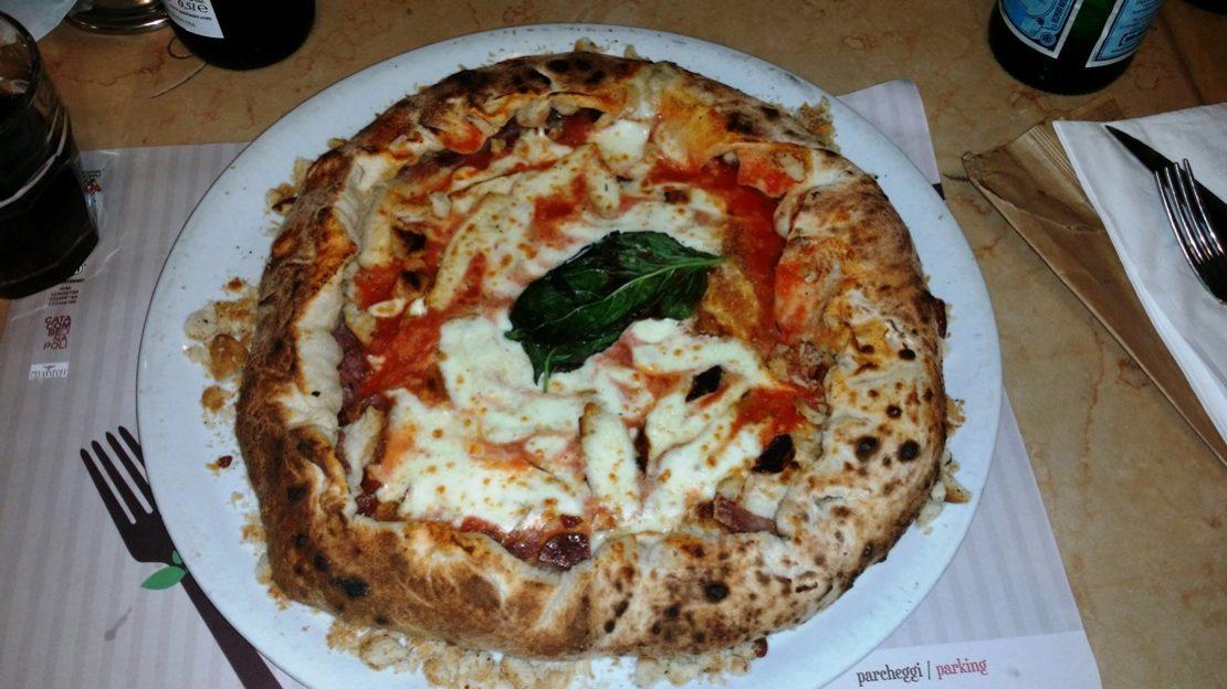 Pizzeria-Concettina-ai-tre-santi-Napoli
