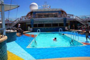 Jewel-of-the-seas-piscina