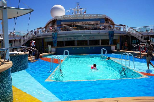 Jewel-of-the-seas-piscina