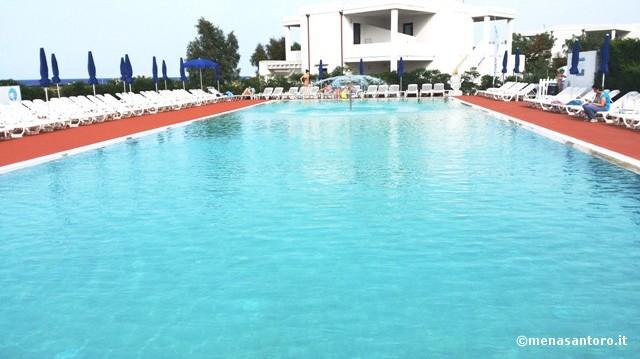 Piscina-Torre-Guaceto-Resort-Puglia