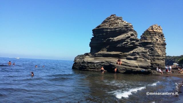 Spiaggia-La-Chiaiolella-Procida