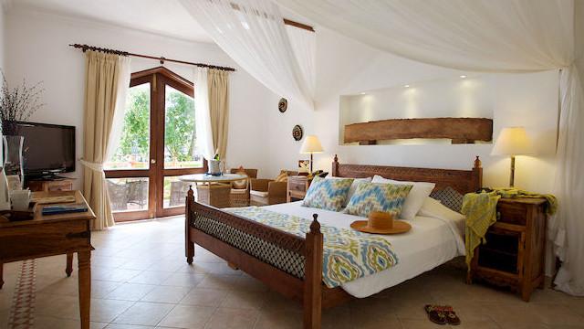 AlpiClub-Bluebay-Beach-Resort-Spa