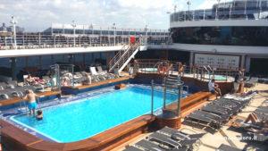 queen-victoria-piscina